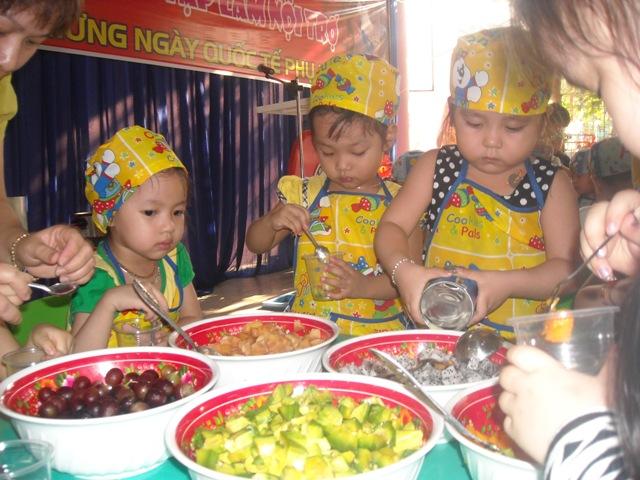 hoi-thi-be-tap-lam-noi-tro-chao-mung-ngay-quoc-te-phu-nu-08032015-256-3